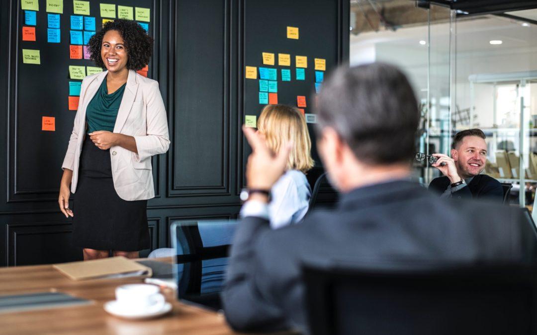 Komunikacja między freelancerem a klientem – poznaj najważniejsze zasady!